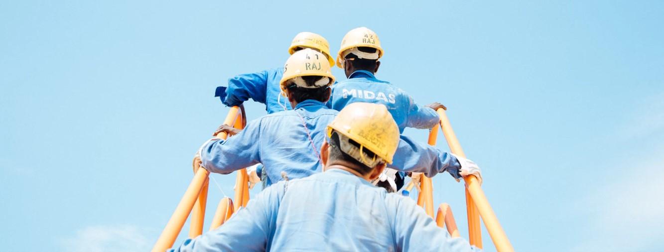 Pracownicy jakich zawodów noszą klapki robocze?